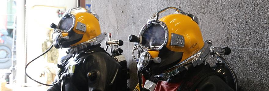 Divers ready to enter contaminated water